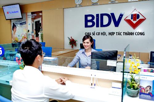 Nhiều quà tặng hấp dẫn khi gửi - vay tiền tại BIDV